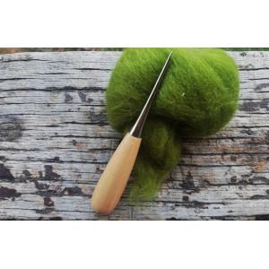 Punzón con mango de madera